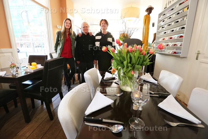 Restaurant Le Bon Ton voor de Gouden Pollepel - vlnr Jaimy-Joy, Eddy en Anita Knol (fam Knol) - DEN HAAG 28 APRIL 2015 - FOTO NICO SCHOUTEN