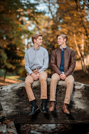 Holt Twins