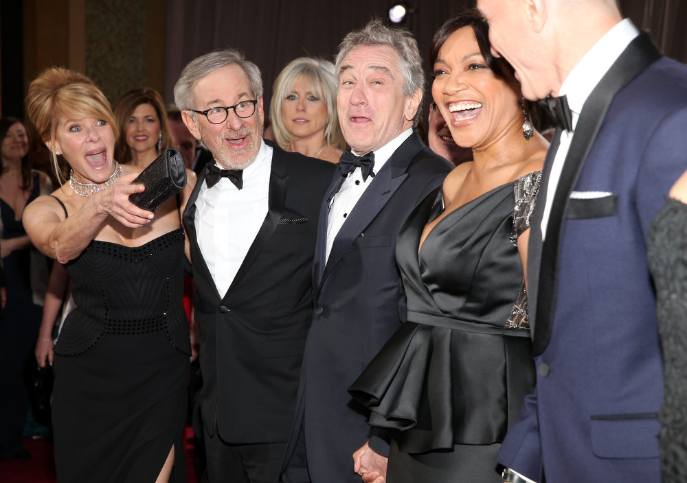 Description of . (L-R) Actress Kate Capshaw, director Steven Spielberg, actor Robert De Niro and wife Grace Hightower, and actor Daniel Day-Lewis arrive at the Oscars at Hollywood & Highland Center on February 24, 2013 in Hollywood, California.  (Photo by Christopher Polk/Getty Images)