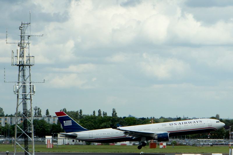US Airways Lands in London