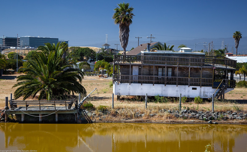 An old houseboat in Alviso