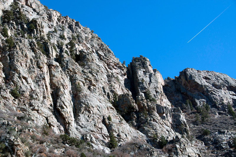 South slope, south of South Buttress. Certainly some single pitch potential here, maybe multi-pitch to left.