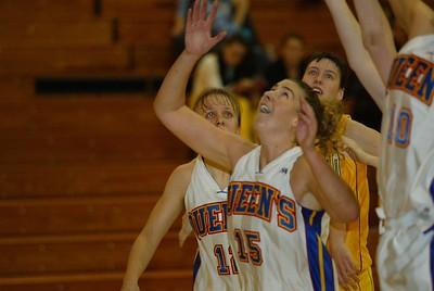 Women's Basketball - Waterloo at Queen's 20031031