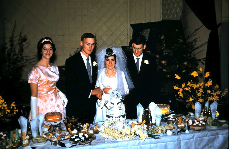 1961-8-19 (37) Elaine, Graham, Mary & Nigel.JPG