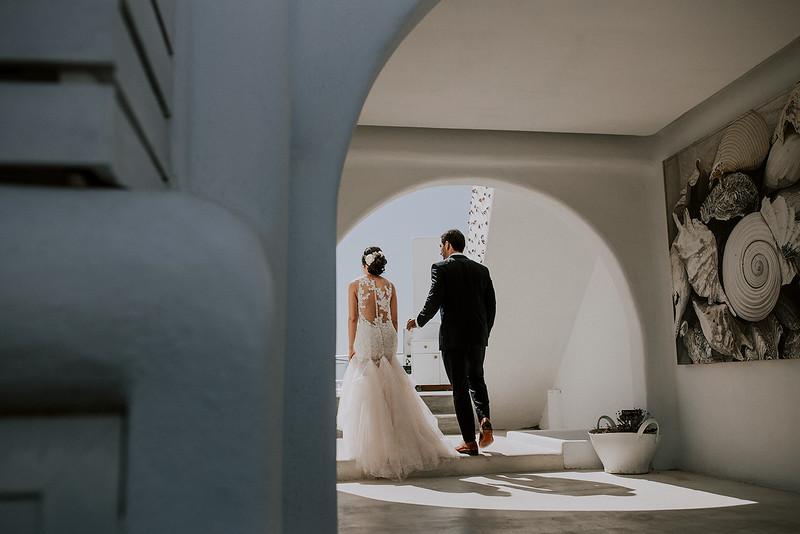 Tu-Nguyen-Destination-Wedding-Photographer-Santorini-Rocabella-Hotel-Euna-Ehsan-192.jpg
