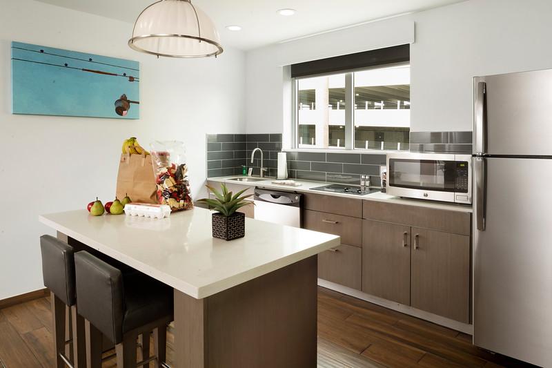 18-Suite Kitchen-HH Frisco.jpg