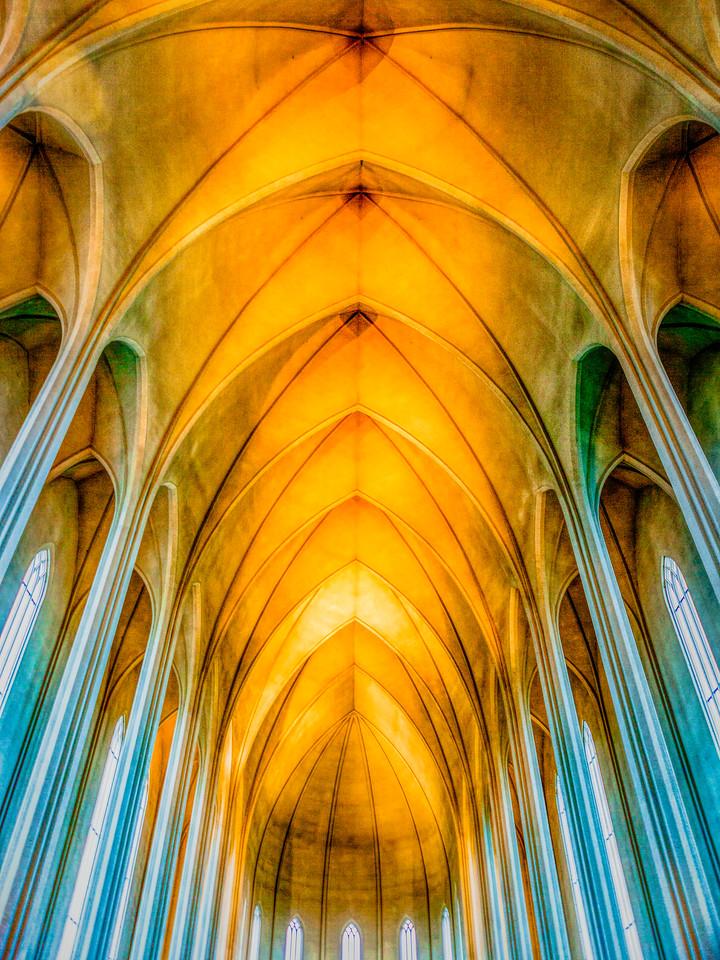 冰岛Hallgrimskirkja教堂,流畅线条