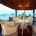 luxury-imperial-cruise-halong-bay.jpg