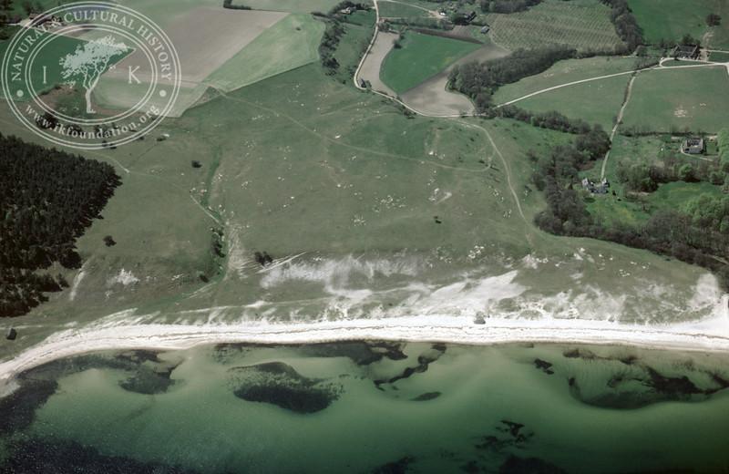 Haväng, Verkaån, coastline south of (1985).   LH.0016