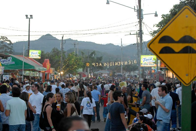 080126 0458 Costa Rica - Palmares Fiesta _P ~E ~L.JPG