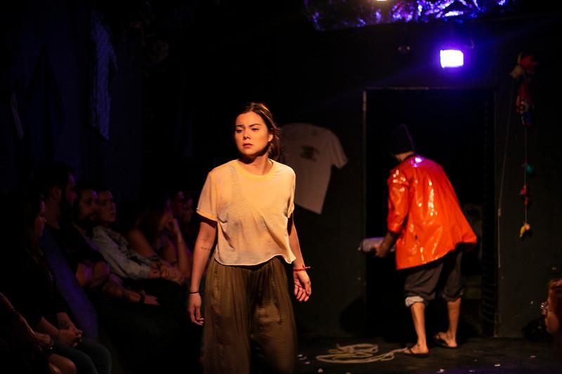 Allan Bravos - Fotografia de Teatro - Indac - Migraaaantes-332.jpg