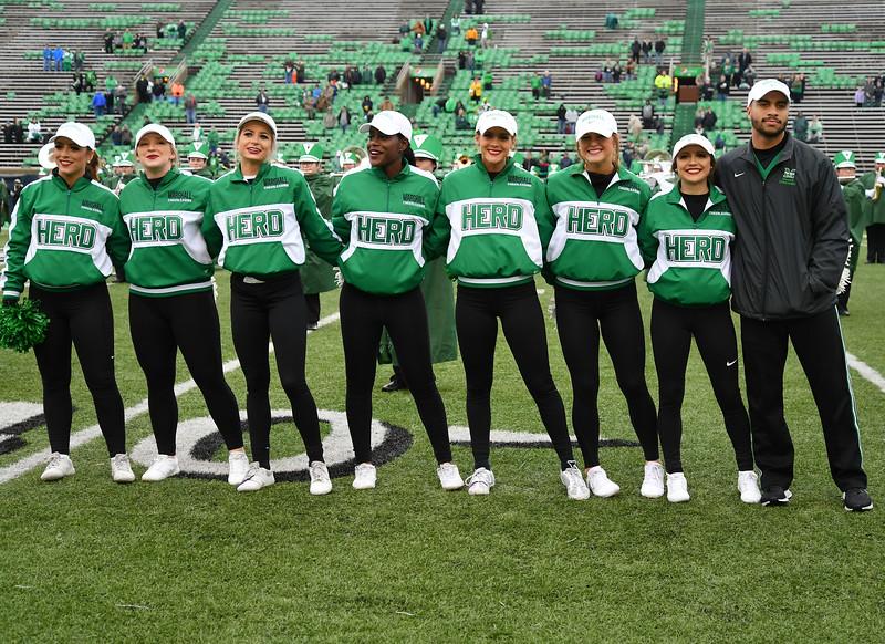 cheerleaders0106.jpg