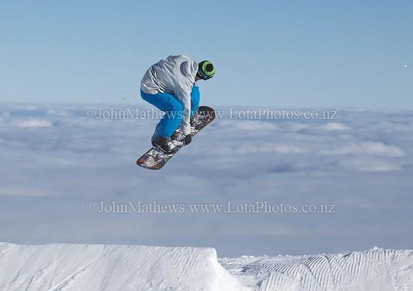 20120718 Snow Boarders on Turoa ski field _MG_5293 WM