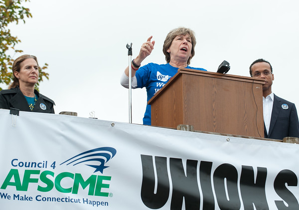 11/02/18 Wesley Bunnell | Staff The American Federation of Teachers held a get out the vote rally on Friday afternoon outside of a union headquarters in New Britain featuring hundreds of educators and workers from across CT. AFT President Randi Weingarten addresses the crowd as candidate for Lt. Gov. Susan Bysiewicz (D), L, looks on.