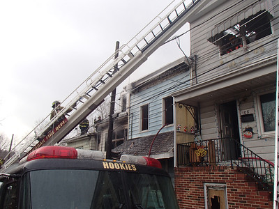 SHENANDOAH ROW HOME FIRE 12-31-2013 PICTURES BY COALREGIONFIRE