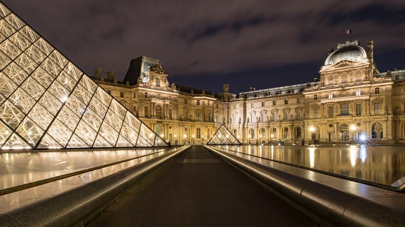 Louvre Courtyard Night-90792.jpg
