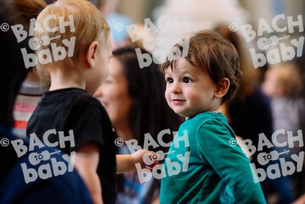 © Bach to Baby 2017_Alejandro Tamagno_RegetntsPark_2017-07-15 024.jpg
