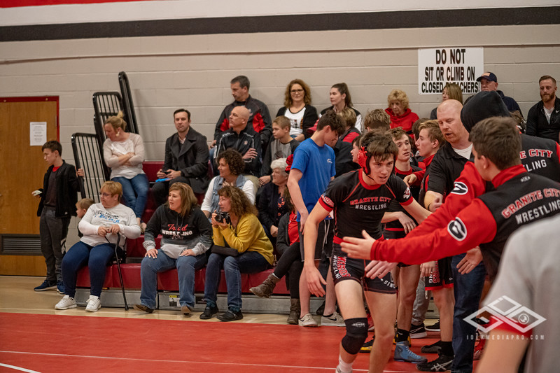 Wrestling at Granite City-09199.jpg