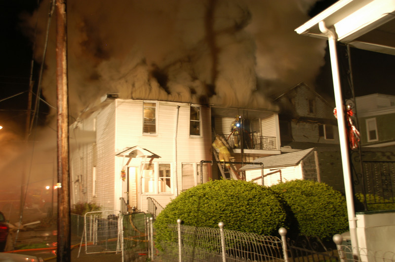 MOUNT CARMEL HOUSE FIRE 5-2-2010 003.JPG