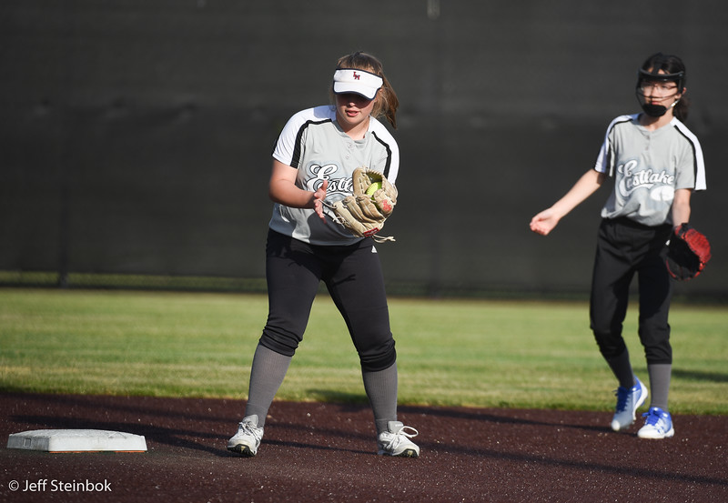 Softball - 2019-05-13 - ELL White Sox vs Sammamish (12 of 61).jpg