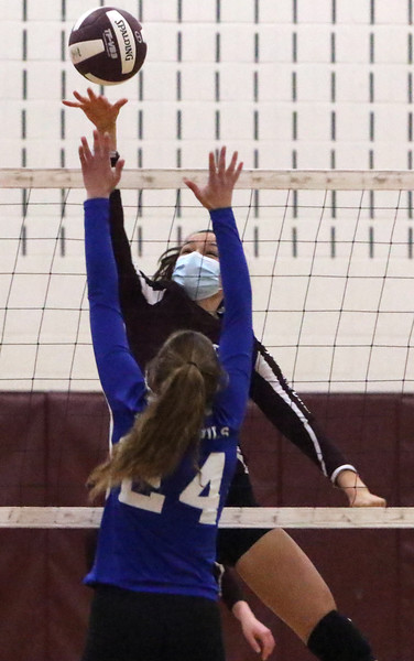 Groton-Dunstable Leominster volleyball 041421