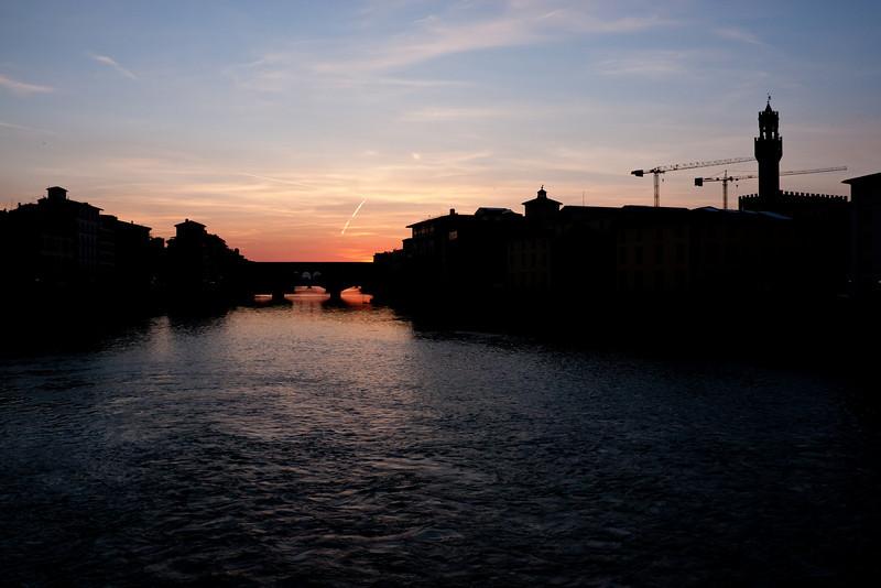 nightfall hits the Uffizi