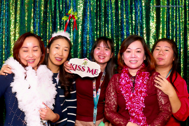 Medtronic Holiday Party -31.jpg