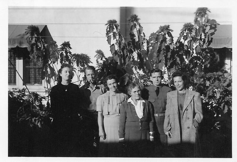 Gundlachs_ca_1942-2.jpg