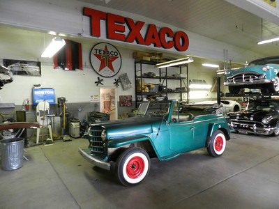 1950 Willys Jeepster - Bart Templeman