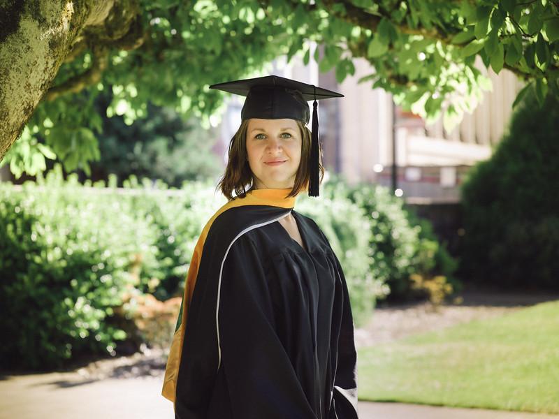 Amanda-Graduation-2017-2.jpg