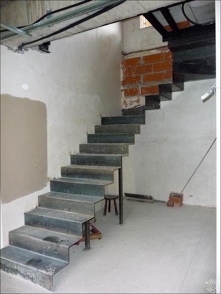 Le nouvel escalier - Il n'y en avait pas pour descendre au garage