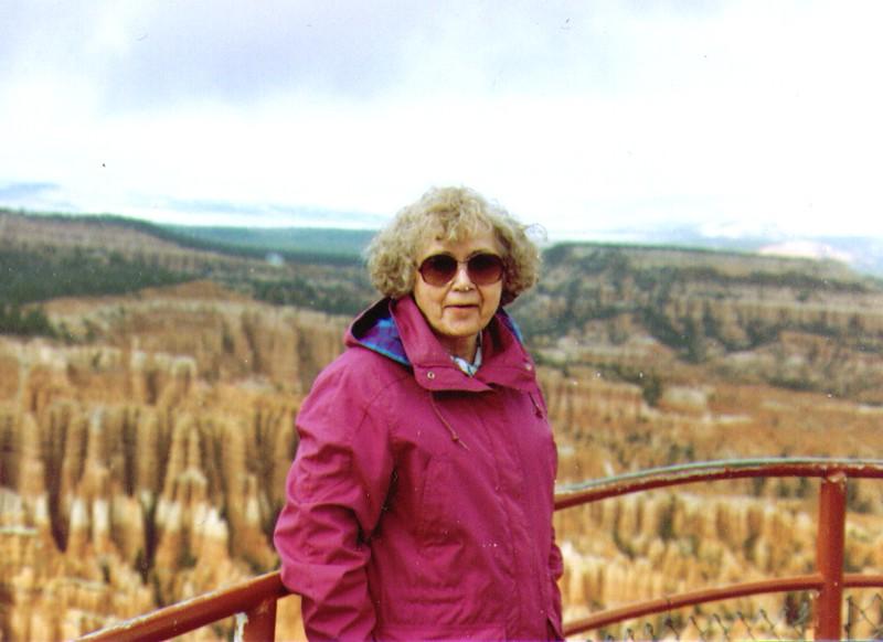 Bonnie at Bryce Canyon, .jpg
