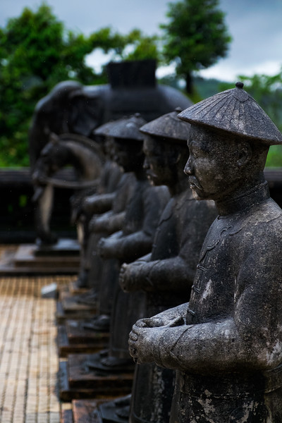 Khai-Dinh-Tomb-Statue-Rain.jpg