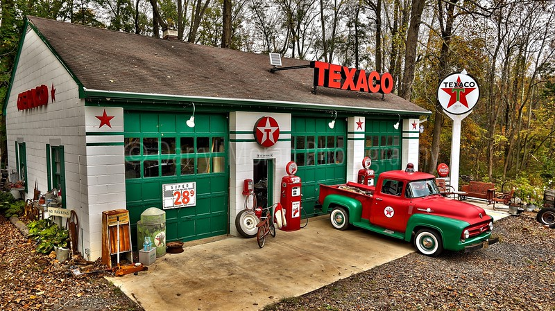 Vintage Texaco, 1956 T-bird and Truck (32).jpg