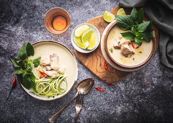 Curry vert de Lieu-noir et spaghetti de courgette