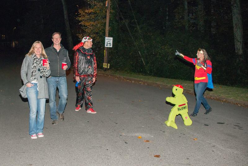 Halloween on Runnemede-28.jpg