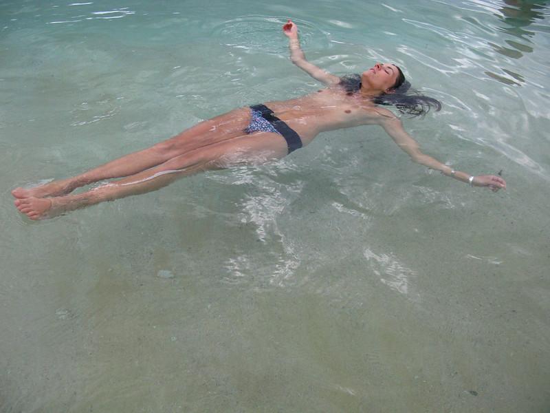 20110226Kitty in the Sea8857.jpg