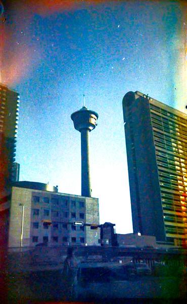 Calgary Tower a.jpg