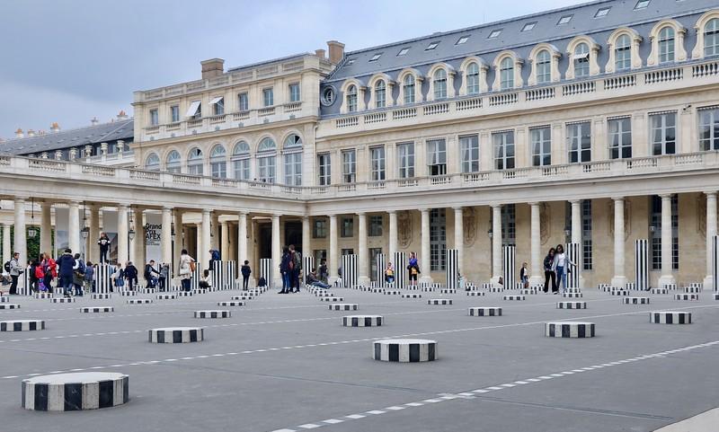 Colonnes de Buren - Paris