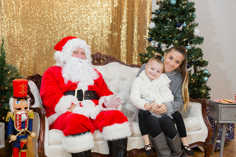 FADS Picture with Santa-343.jpg