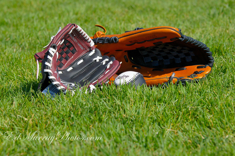 Play ball!: Happy Monday everyone! I bought the boy his 1st baseball glove (And I also had to buy one for myself because I can't seem to find my old one anywhere) - I took him out to a ball field so he could try out his new mitt. Naturally I had my camera...I'll post a few of the pictures during the course of the week