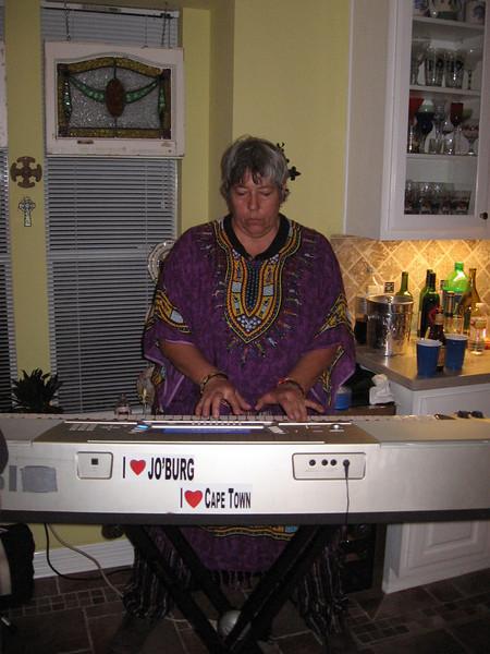 Jana and her keyboard