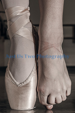 Pointe Shoe - Foot