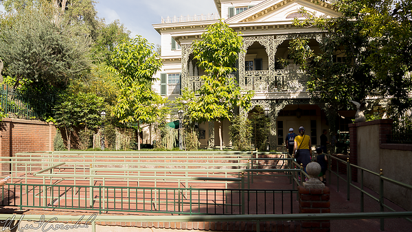 Disneyland Resort, Disneyland, New Orleans Square, Haunted Mansion, Haunted, Mansion, House, Box