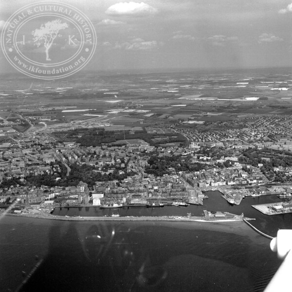 Helsingborg City with Harbor and Kärnan   EE.1203