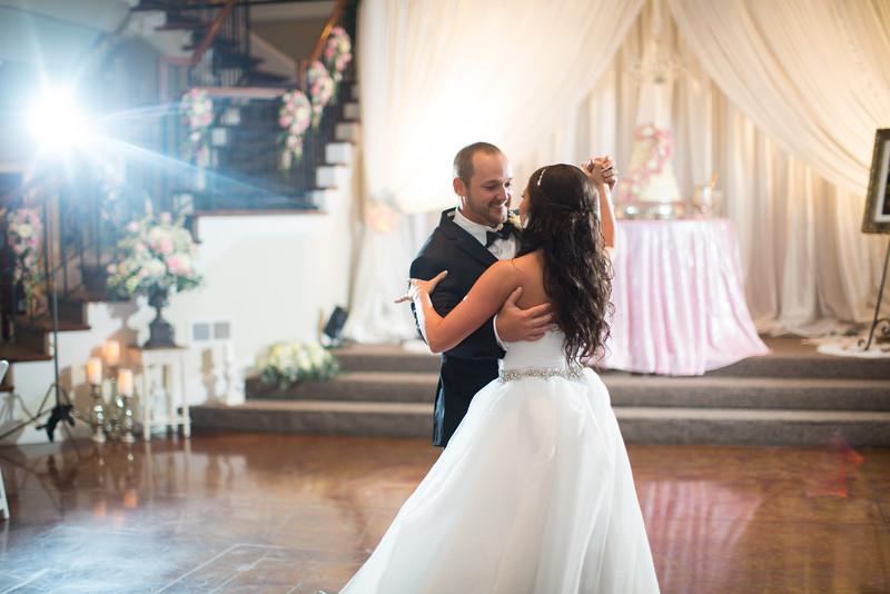 0865_Josh+Lindsey_Wedding.jpg