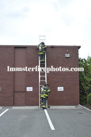 Syosset FD Transformer Crossways Park Dr 8-10-10
