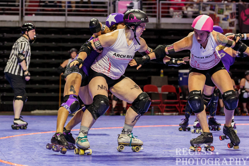 WFTDA 2017 Championships - Game 8 - Rose City vs Arch Rival ©Keith Bielat