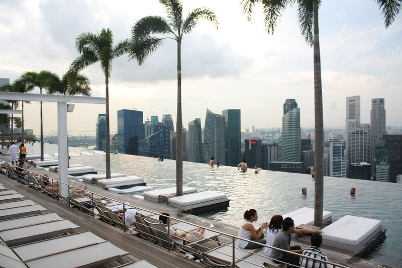 marina bay sands rooftop swimming pool
