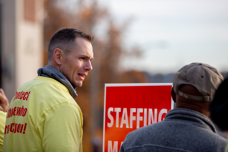 11-4-2019 Staffing Picket (78).jpg